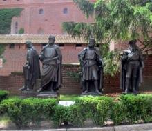 335- figury wielkich mistrzów krzyżackich