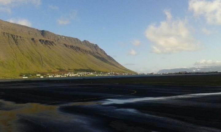 17 sierpnia - Doleciałem doIsafjordur. OK.